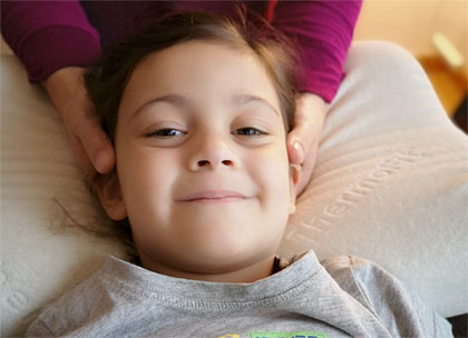 Craniosacralbehandlung beim Kind in der Osteopathie Praxis Köln